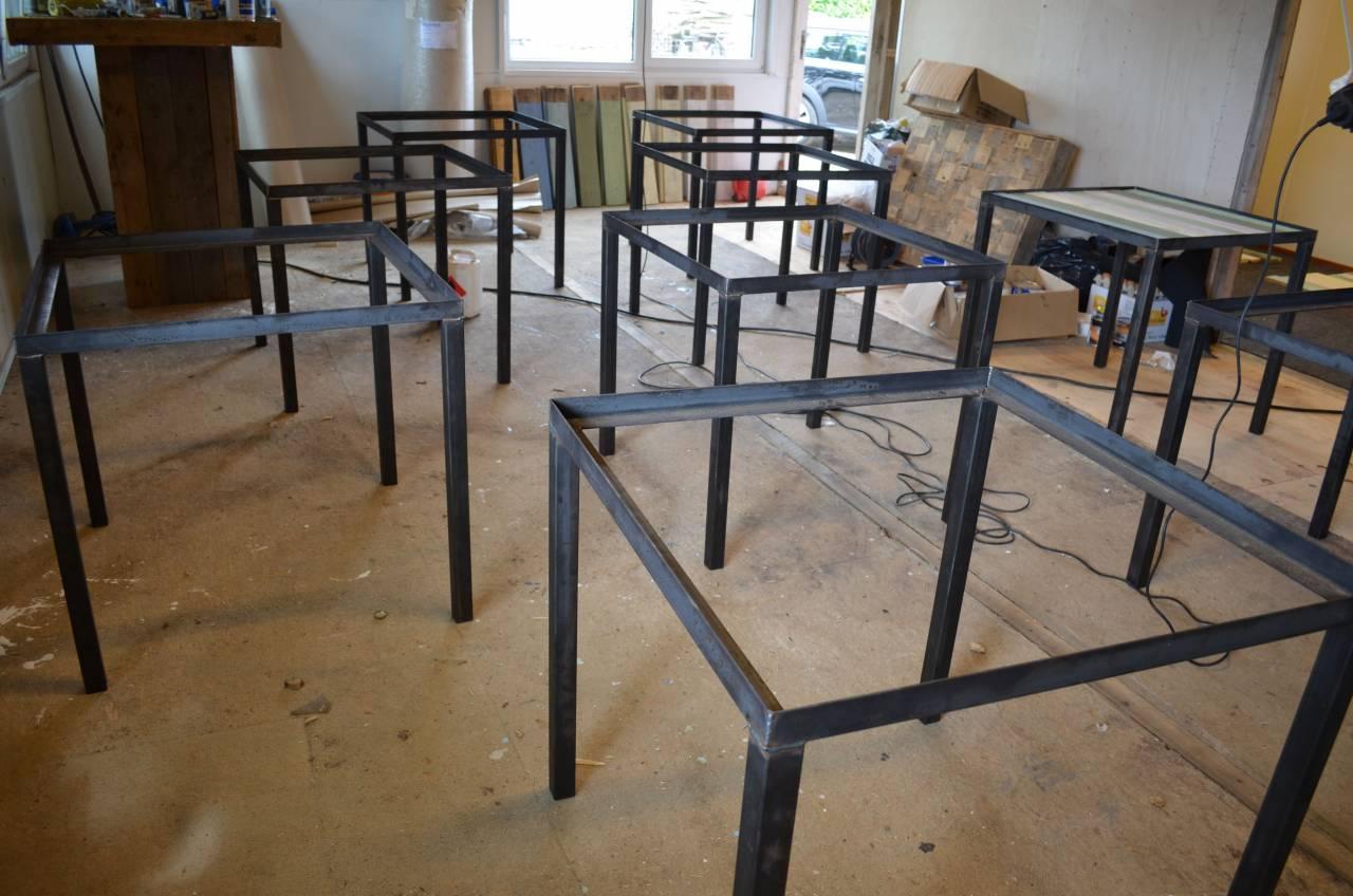 Horeca tafel burn van sloophout en een stalen frame en for Horeca tafels