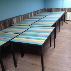 Horeca tafel van Caribean sloophout en stalen frame en onderstel