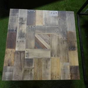 Salontafel sloophout korte, speelse lengtes en stalen 4 poten