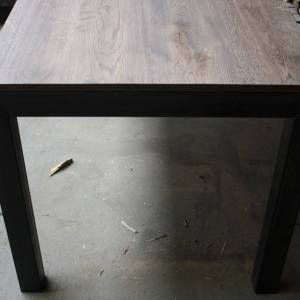 Rustieke eiken tafel met stalen U onderstel