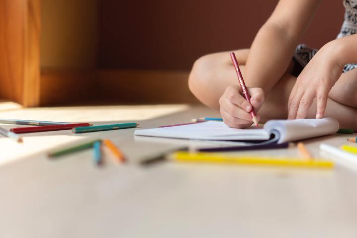 Je šolanje na domu rešitev za vedenjske težave otroka?