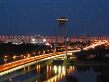 Bratislava - Novy most bei Nacht - Stadion FC Artmedia Petrzalka