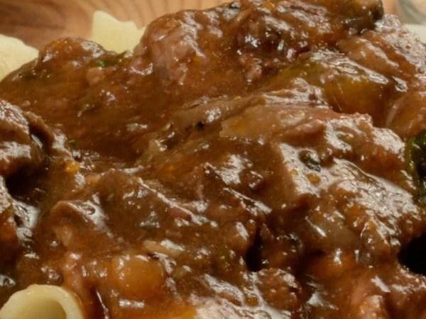 Easy Slow Cooker Beef Burgundy