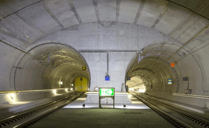 Zdroj: https://simendiferdotorg.files.wordpress.com/2016/03/sbb-gotthard-tunnel.jpg?w=1263&h=631&crop=1