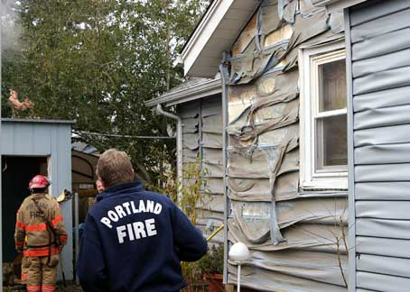 toxic materials vinyl siding burning