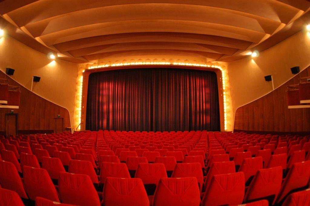 biograf saga stockholm