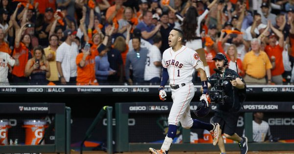 Correa homers in 11th, Astros top Yankees 3-2; ALCS tied at 1