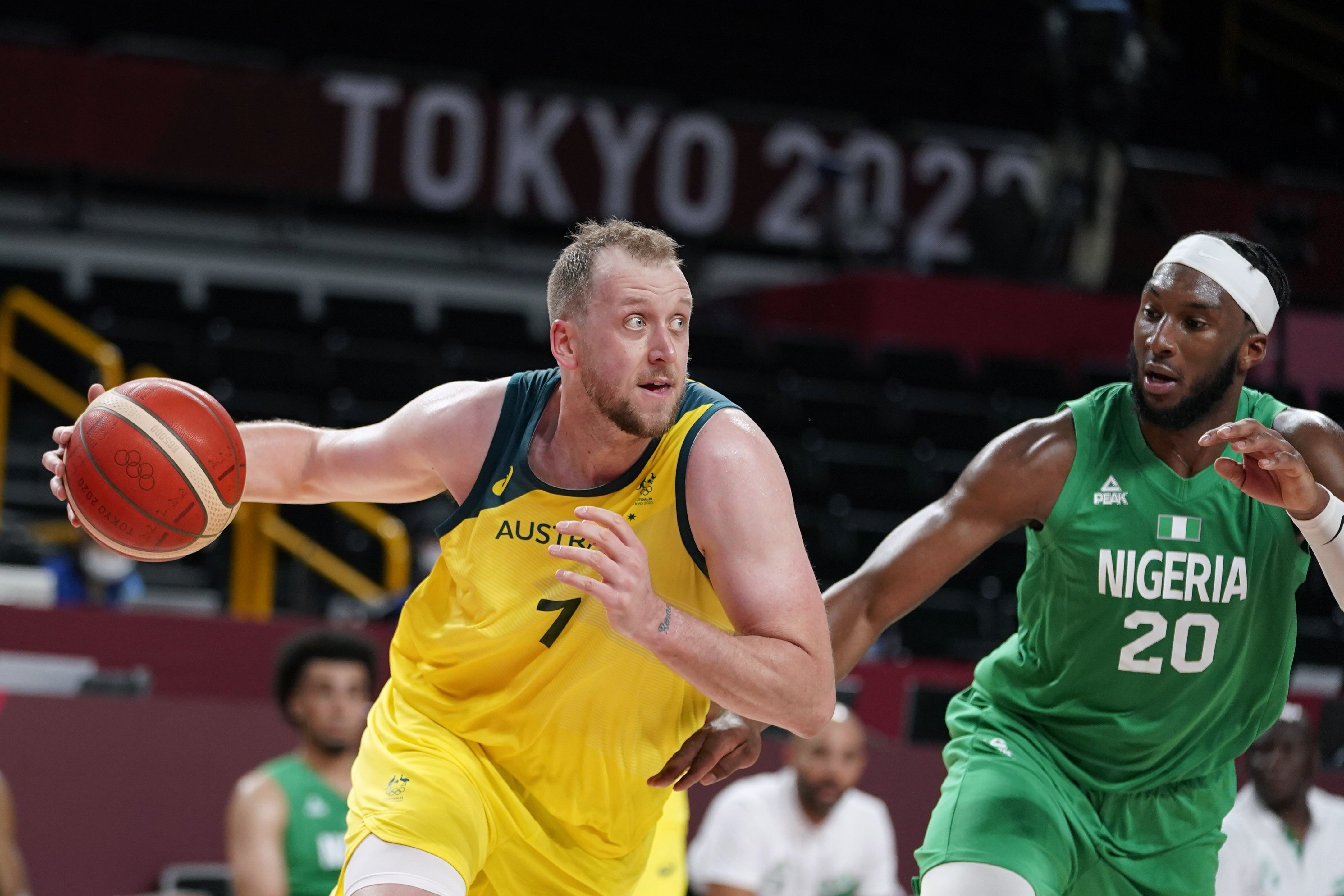 International basketball games from leagues around the globe, olympics, world championships and more. Joe Ingles Scores 11 As Australia Beats Utah Jazz Wing Miye Oni And Nigeria To Open Olympic Play