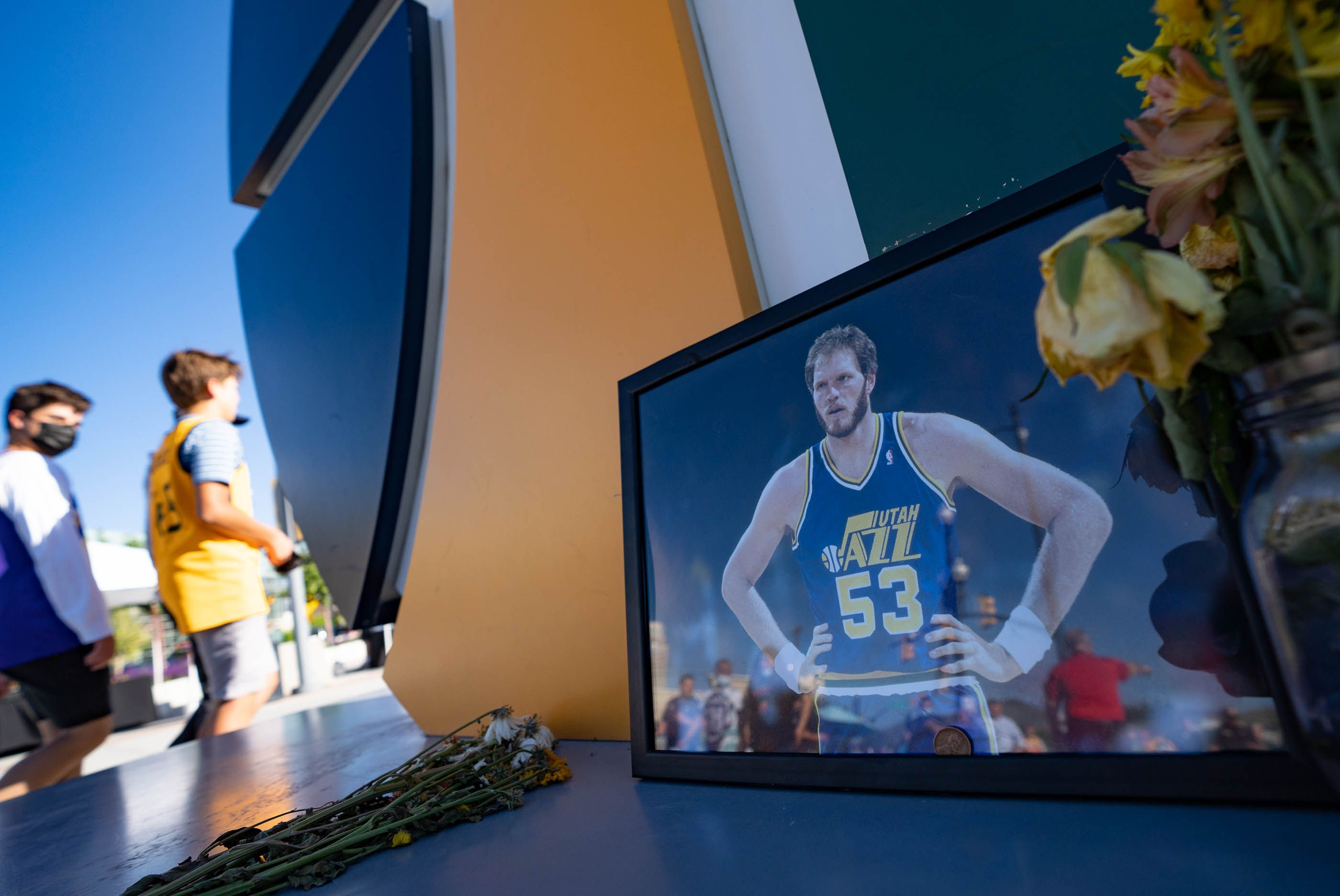 (Francisco Kjolseth | The Salt Lake Tribune) A small memorial for former Jazz player Mark Eaton is erected on the Jazz note in front of Vivint Smart Home Arena on Wednesday, June 2, 2021, before the start of Game 5 of an NBA basketball first-round playoff series against the Memphis Grizzlies in Salt Lake City, UT.