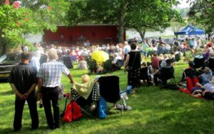CROWDS ENJOY BOTH GOOD WEATHER AND MUSIC AT DROMANTINE 2016