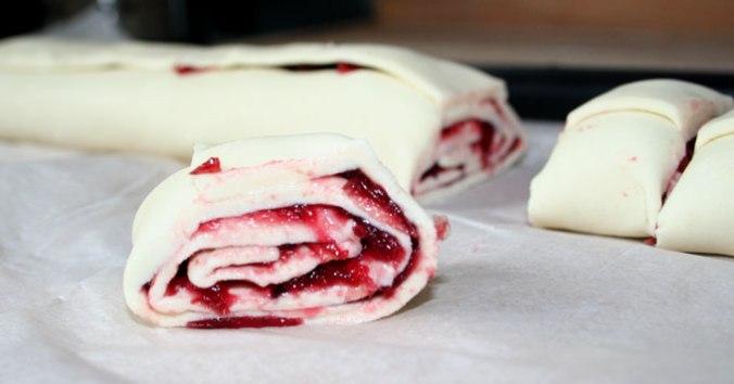 ciasto-zawiniete-pokrojone