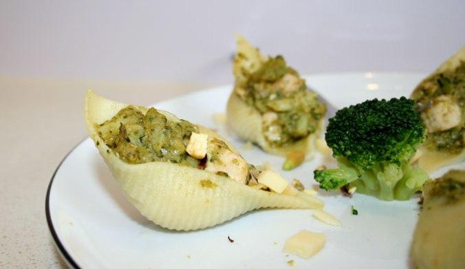 pesto z makaronem i brokułami