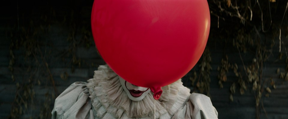 Bill Skarsgård's Pennywise is genuinely terrifying