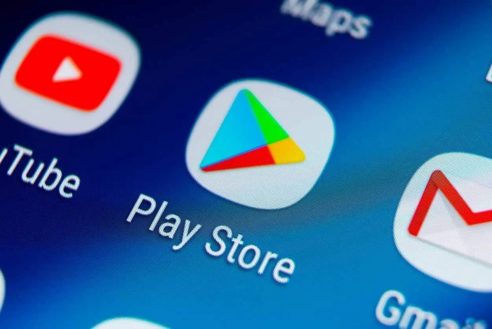 Not having the Google Play Store on the P40 is an issue