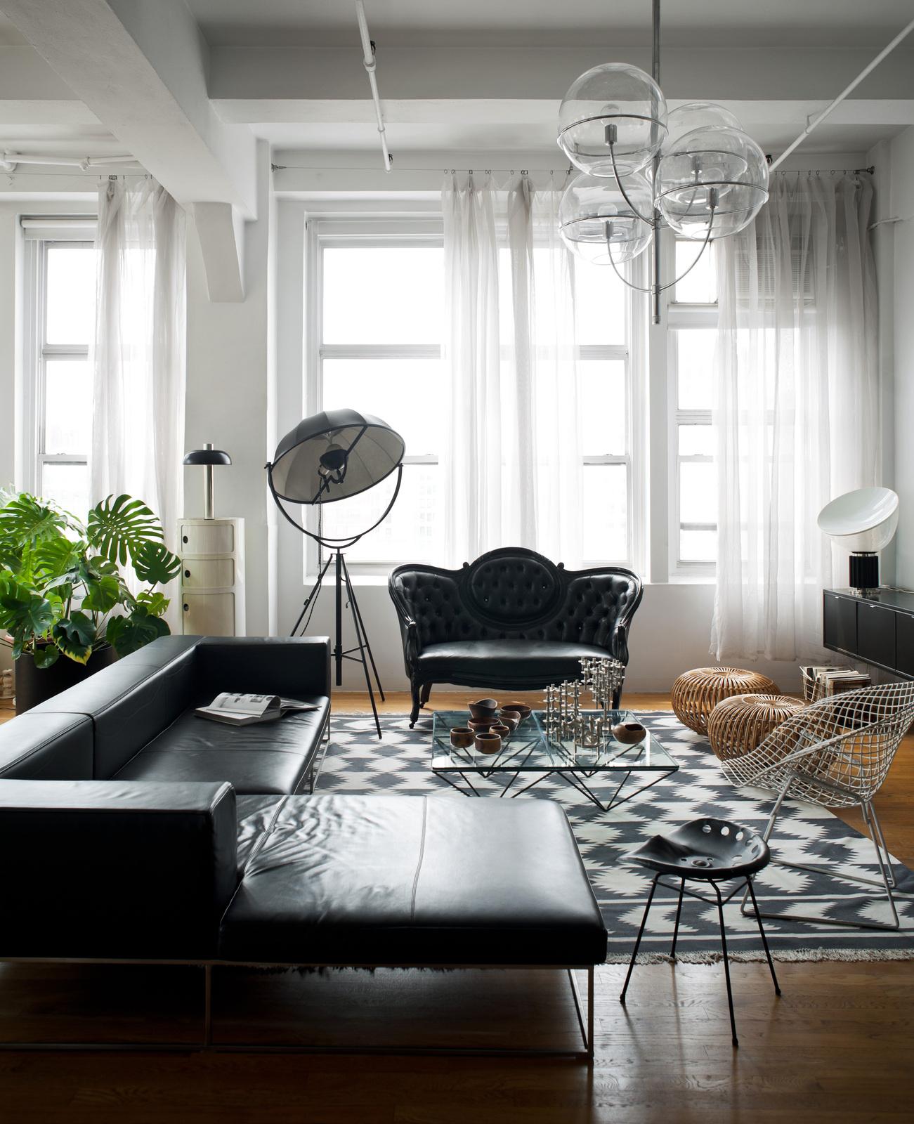 black furniture interior design photo