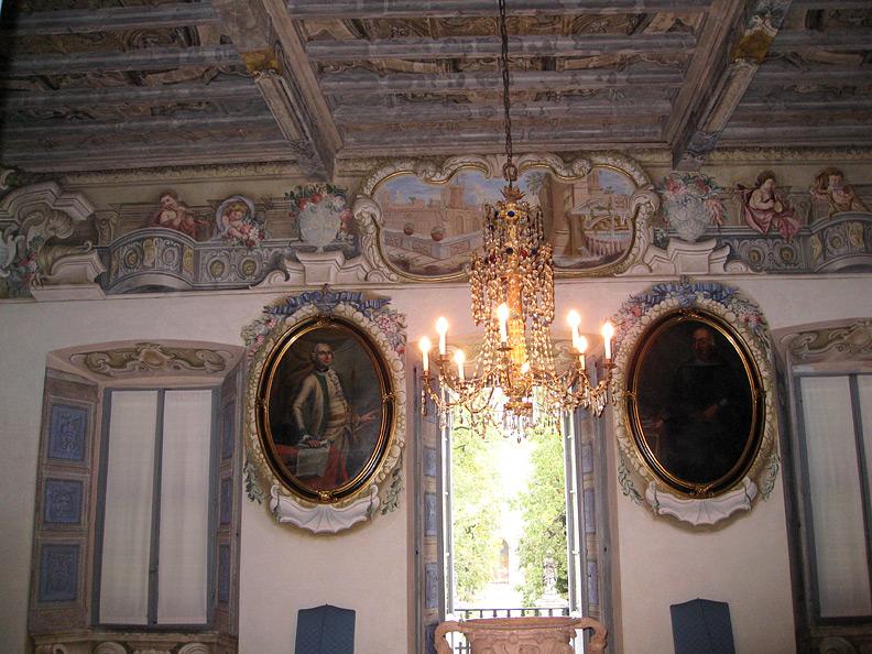 (above) The central hall or salon on the piano nobile of the Villa della Porta Bozzolo.