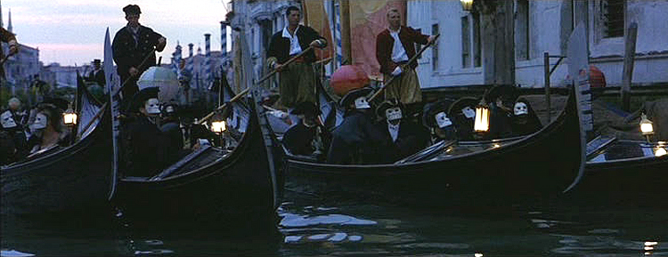 (above) Notice the men in the film 'Wings of the Dove' wearing the Baute mask.