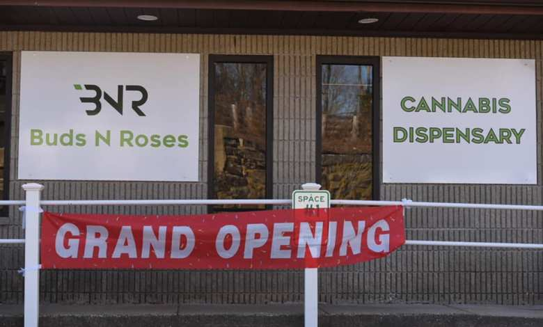 Buds N Roses Grand Opening