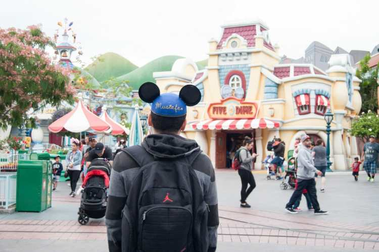 A One Day Itinerary For Disneyland