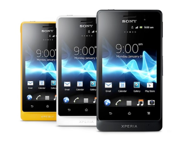 Xperia_go_Group_Front