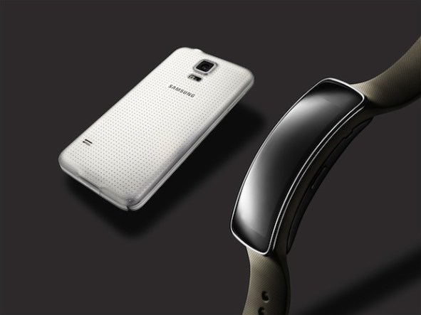 Glam_Gear-Fit,-Galaxy-S5-White