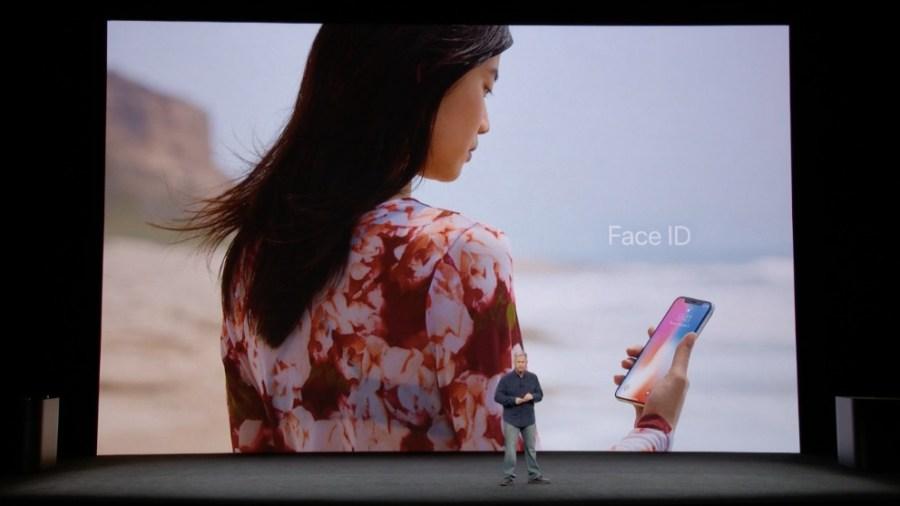 Presentación oficial del reconocimiento facial del iPhone X: Face ID.