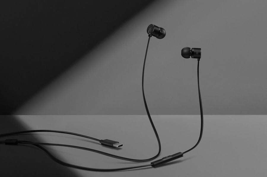Nuevos auriculares in-ear de OnePlus que se conectan en el puerto USB tipo C.