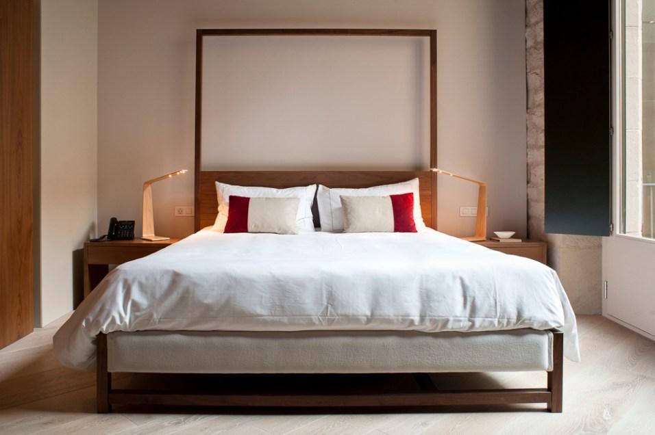 20120906-20_Superior_Room