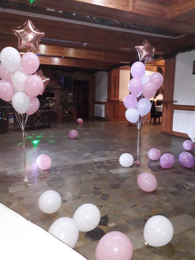 Decoratiuni cu stelute roz - www.smartbalon.ro