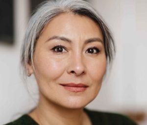 natural haircare for shiny, healthy gray hair