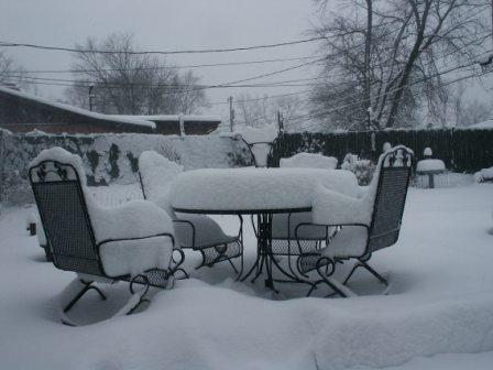 storing patio furniture out