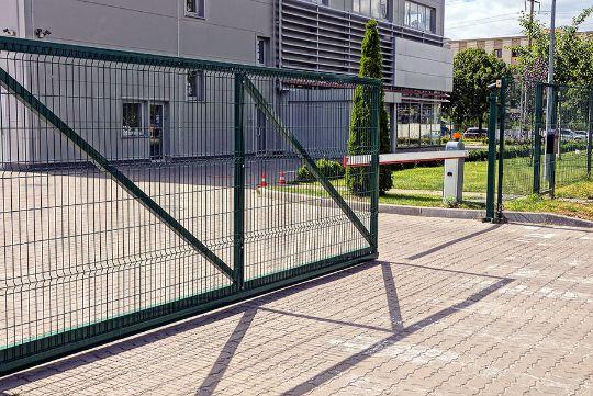 Toledo driveway gate installation company ohio