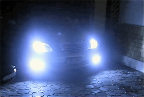 https://i2.wp.com/www.smartdriving.co.uk/Assets/Driving_Assets/Photos/headlights.png