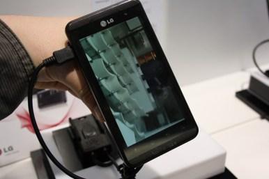 LG Optimus 3D (8) [600 breit]