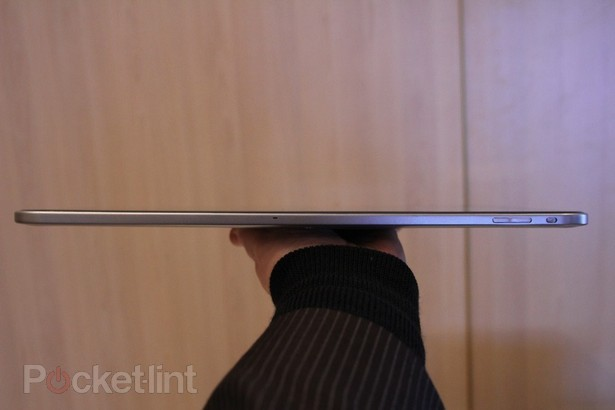 toshiba-13-3-inch-tablet-tegra-3-pictures-hands-on-12