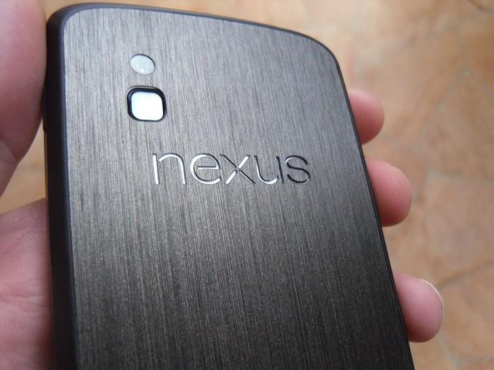 Nexus_4_Dbrand_Skin_Black_Titanium_3