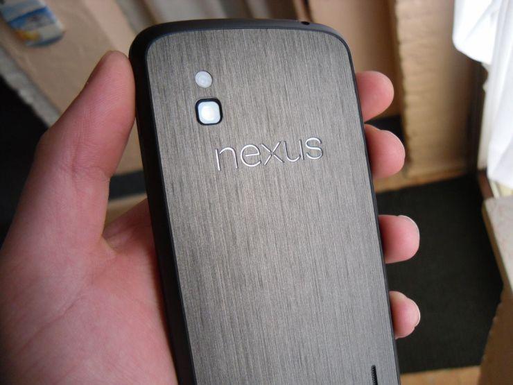 Nexus_4_Dbrand_Skin_Black_Titanium_6