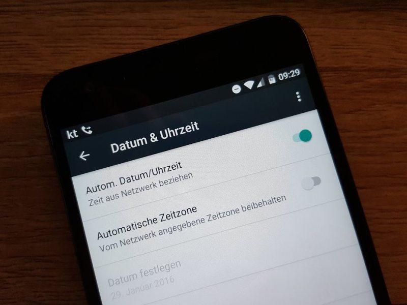 Android Uhrzeit Systemeinstellungen