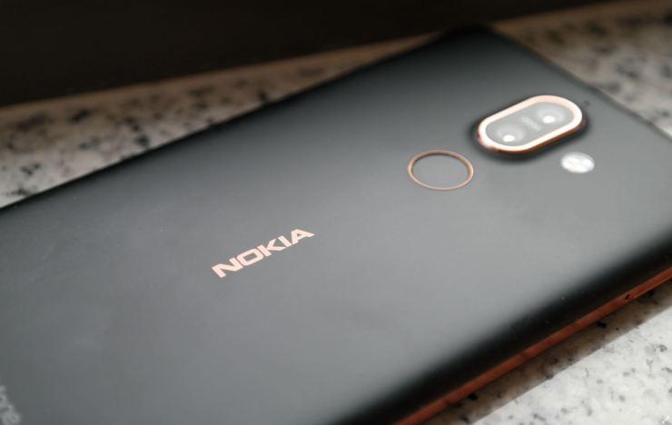 Nokia 7 Plus Header Test