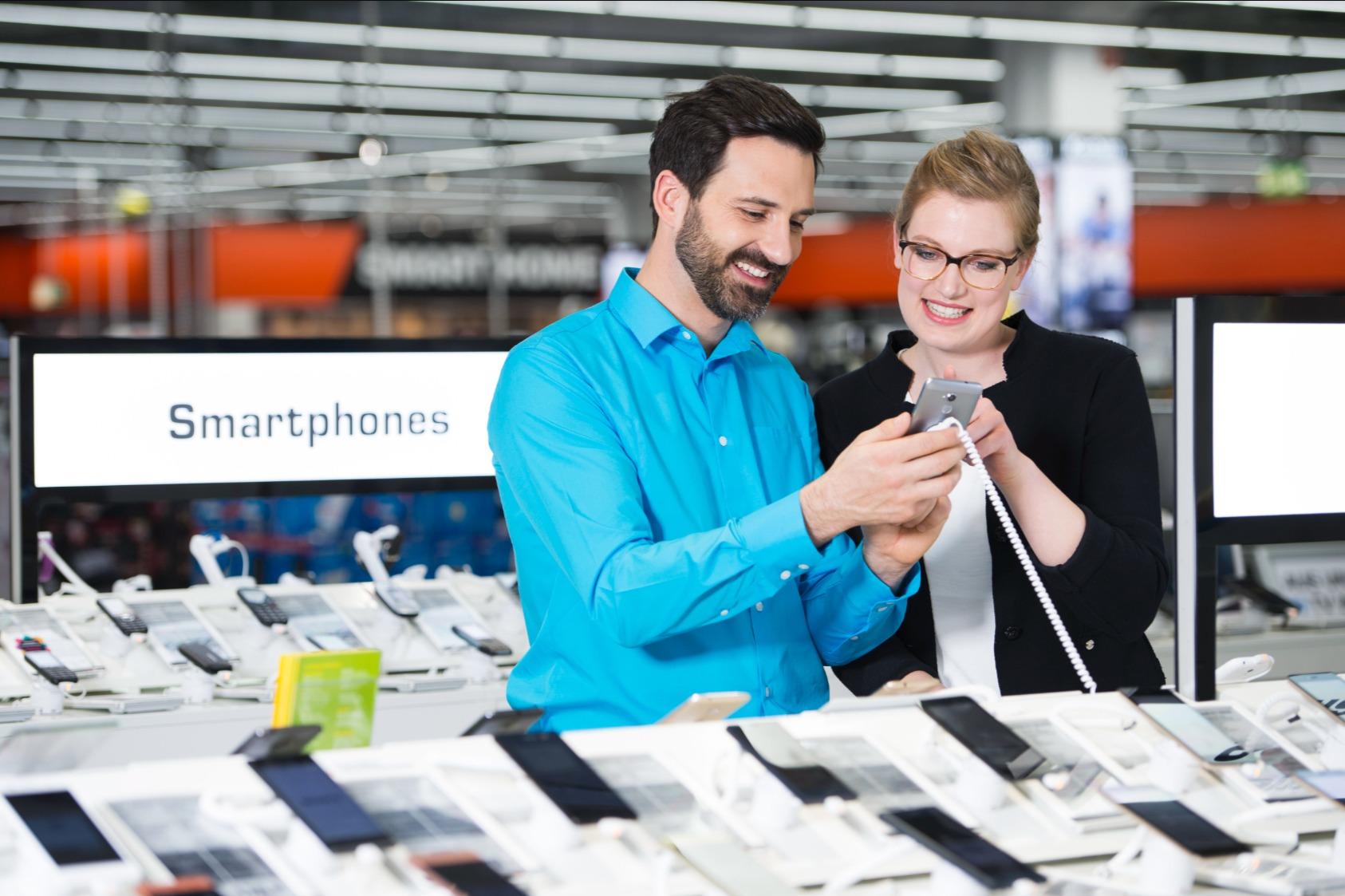 Saturn schickt jetzt diese neuen Smartphone-Angebote ins Rennen