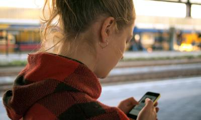 Smartphone Header