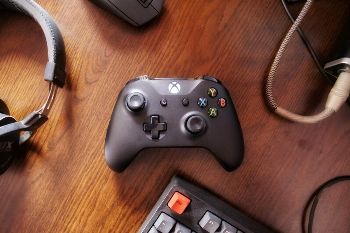 xbox One controller desk keyboard wood gamepad Head