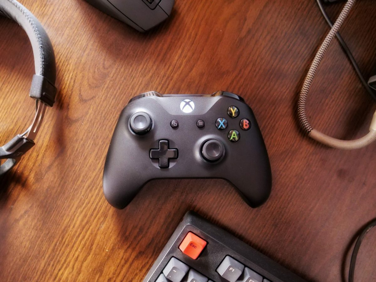 xbox One controller desk keyboard wood gamepad Head