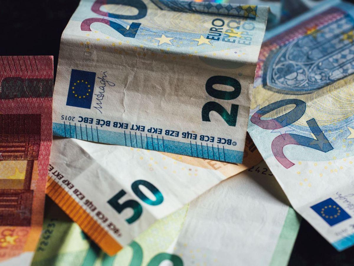 Bargeld Scheine Euro Head