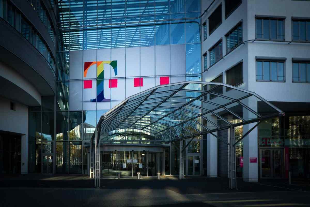 Telekom Rainbow Header Jonathan Kemper Xanjdzzwy 4 Unsplash