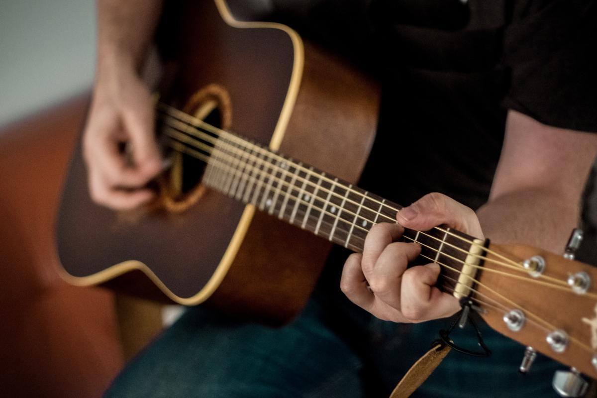 Gitarre 42 North G50vpgzaes Unsplash