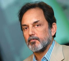 Prannoy L Roy popular Indian Anchor