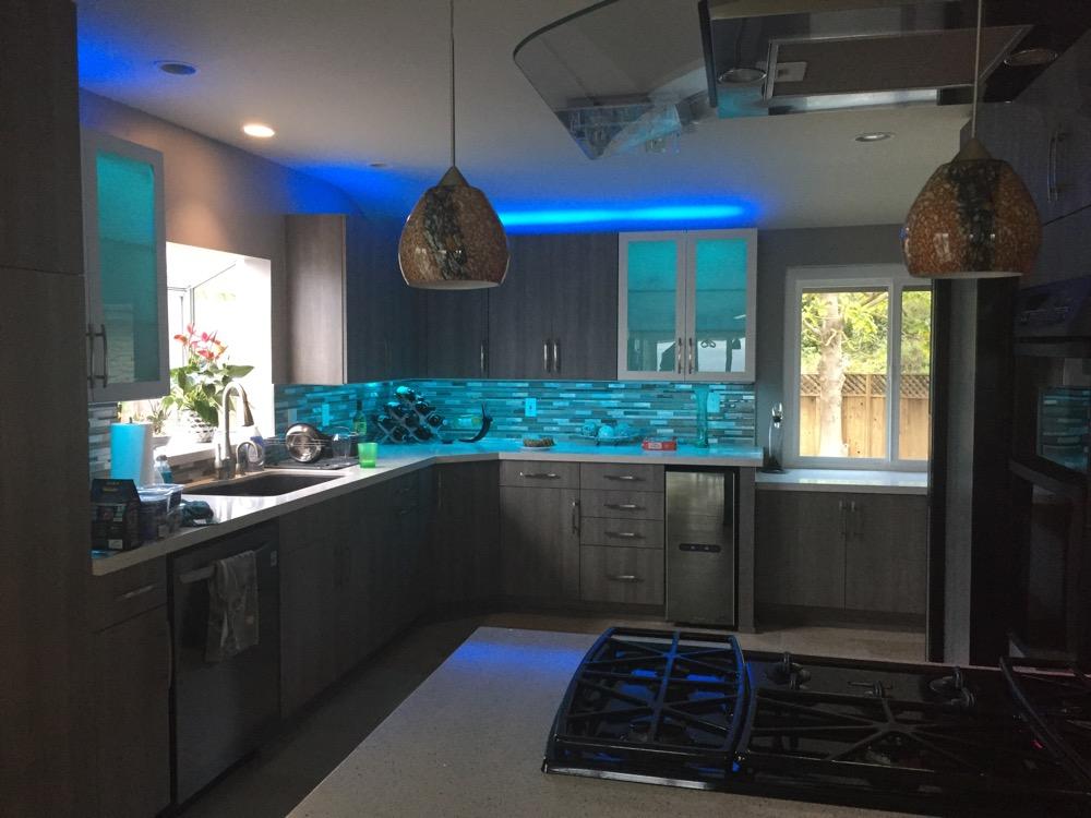 sylvania lightify flex rgbw lighting