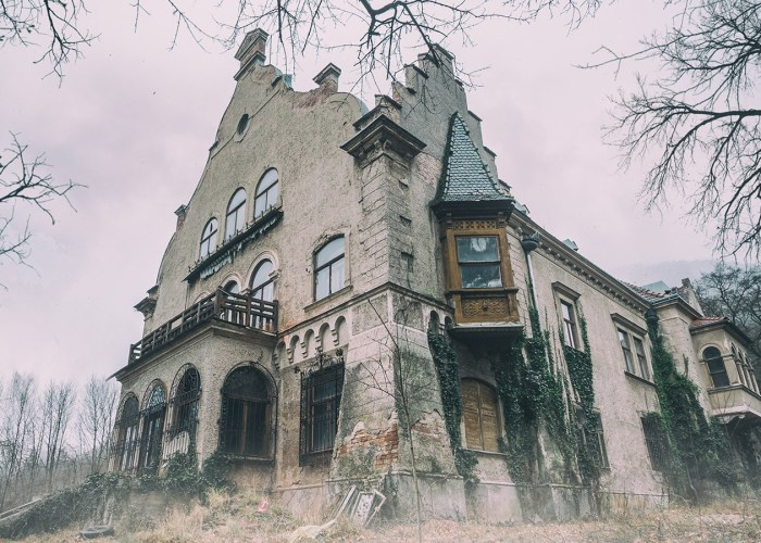 The 8 Creepiest Hotels in the World
