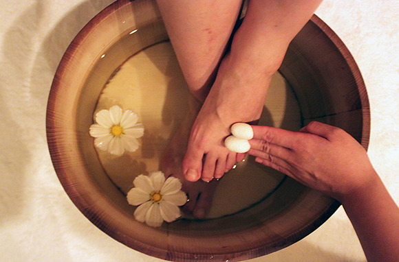 Sake Footbath and Cocoon Scrub